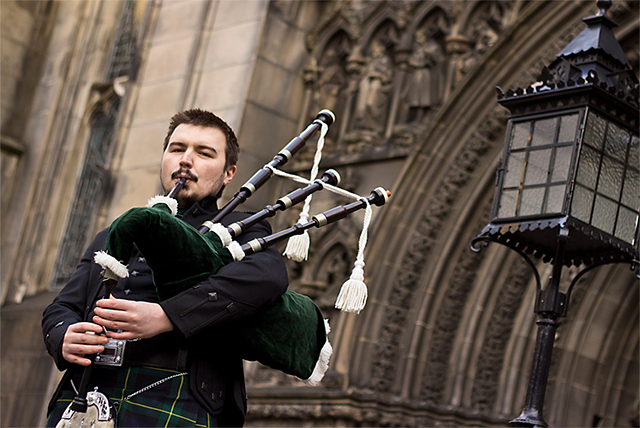 Perfect for weddings, parties, celebrations and functions, ensure your event is pitch-perfect with a 4-hour bagpiper hire from RG Musicom.