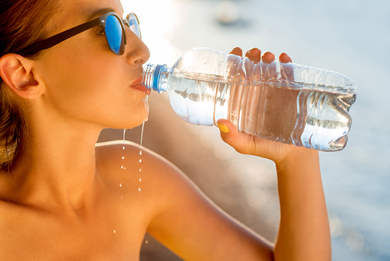 Wowcher-guide-to-New-Year-New-You-Resolutions-2016-Drink-More-Water