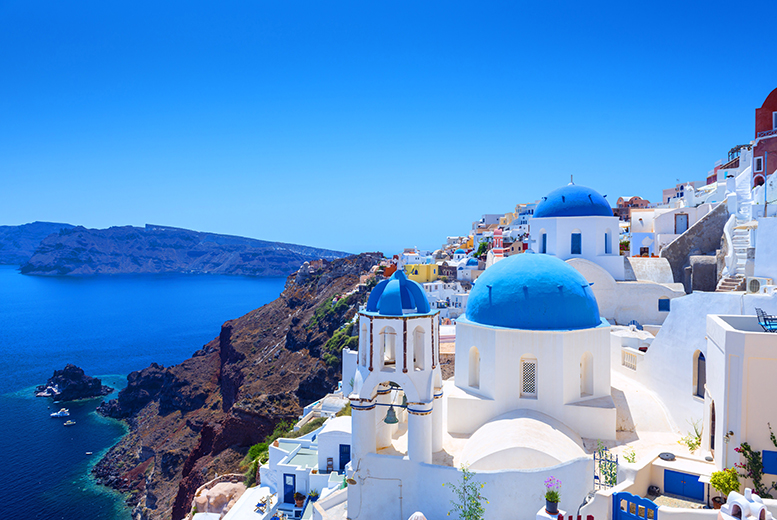 Wowcher-guide-to-travel-in-2016-Santorini